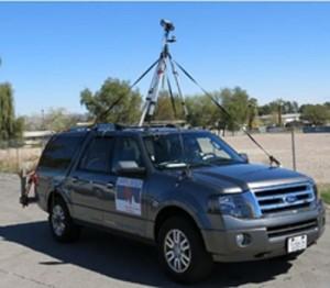 veicolo equipaggiato con termocamera per ricerca perdite in reti teleriscaldamento